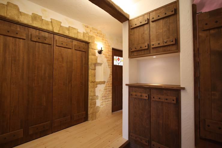 ■ Cote d'Azur Style・コートダジュールスタイル: 株式会社アートカフェが手掛けた玄関&廊下&階段です。