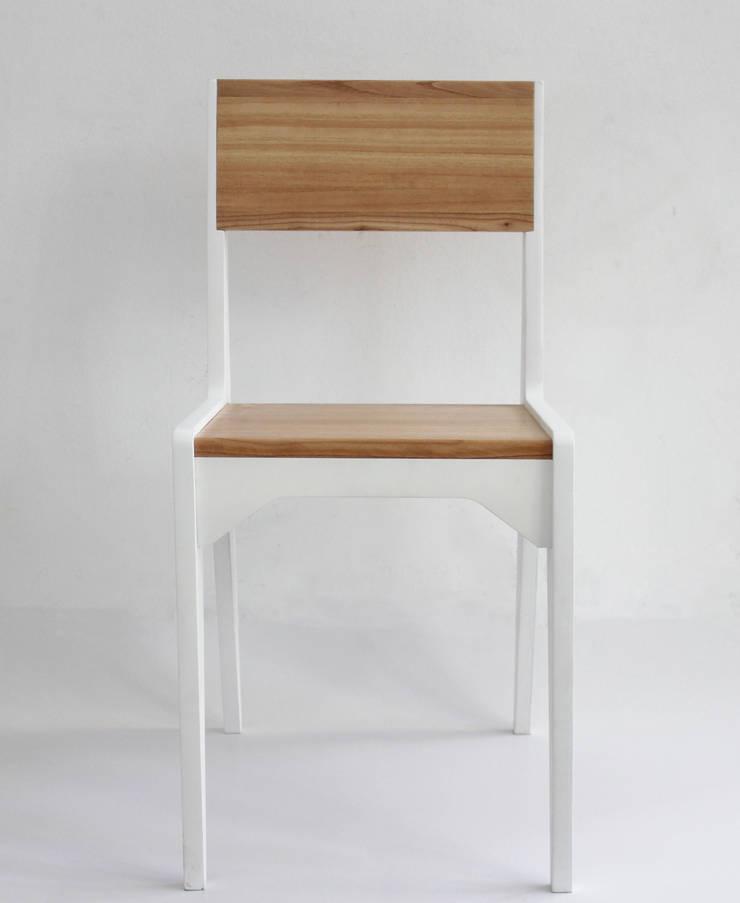Silla Organic: Comedores de estilo moderno por Debute Muebles