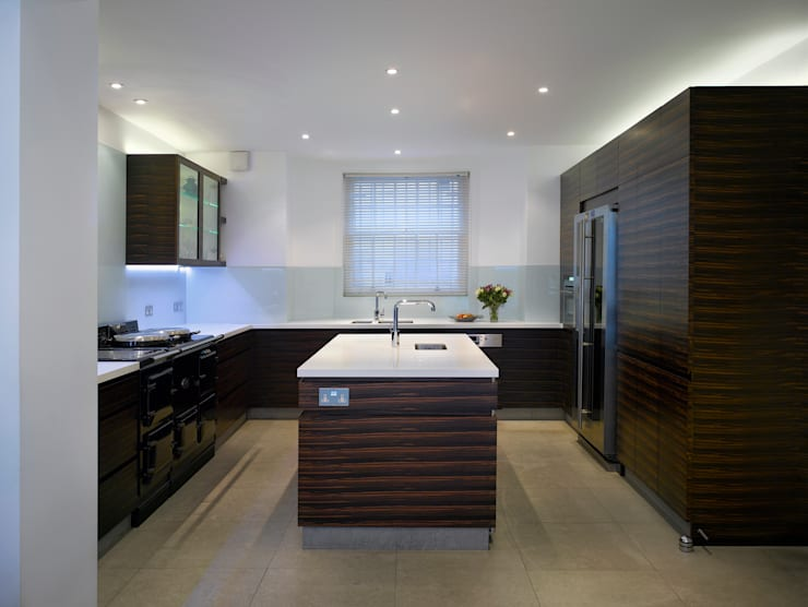 Park Village West:  Kitchen by Belsize Architects