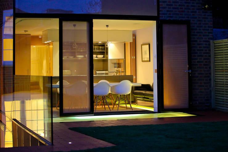 Pond Street: modern Kitchen by Belsize Architects