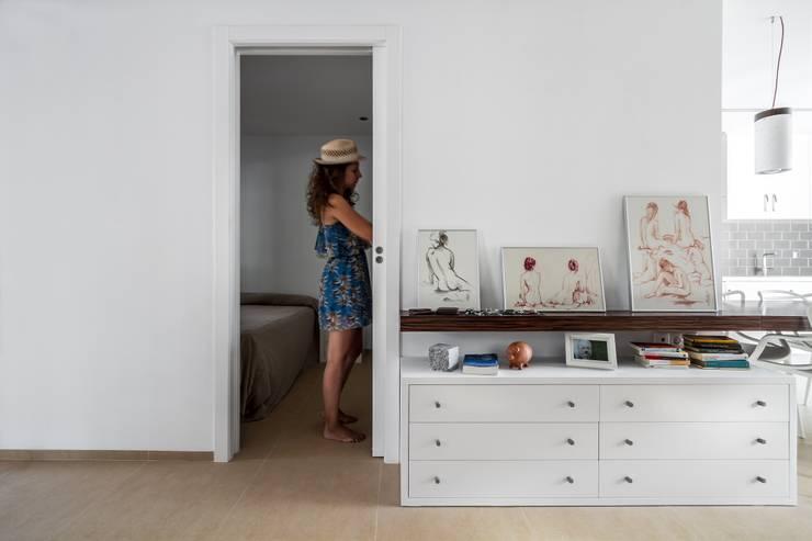 Dormitorios de estilo moderno por Selecta HOME