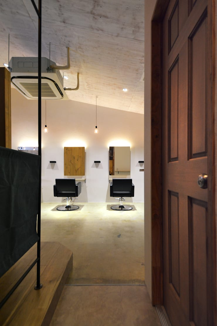 bros.THE HAIR: TRANSFORM  株式会社シーエーティが手掛けたオフィススペース&店です。,