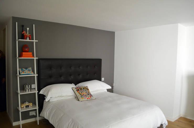 Belsize Park Gardens:  Bedroom by Belsize Architects