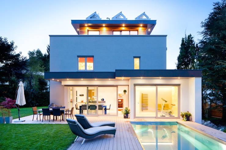 Wohnhaus Sellner: moderne Häuser von marc meder architekt