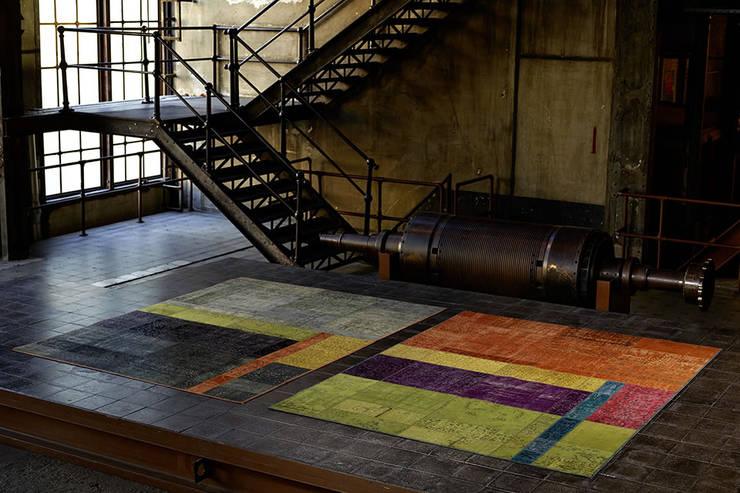 Parede e piso  por Zimmermanns Kreatives Wohnen