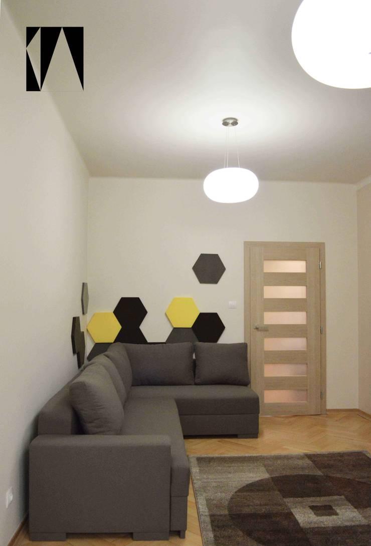 Kawowo-brązowy z fluffo: styl , w kategorii Salon zaprojektowany przez Katarzyna Wnęk,