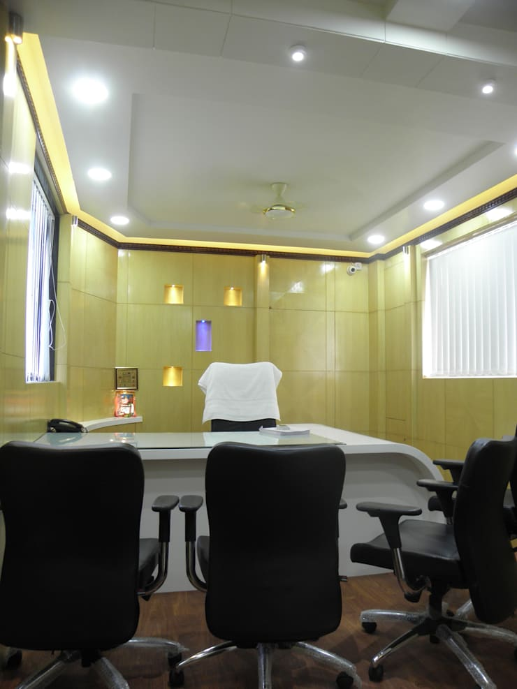 Cabin:  Study/office by Designaddict