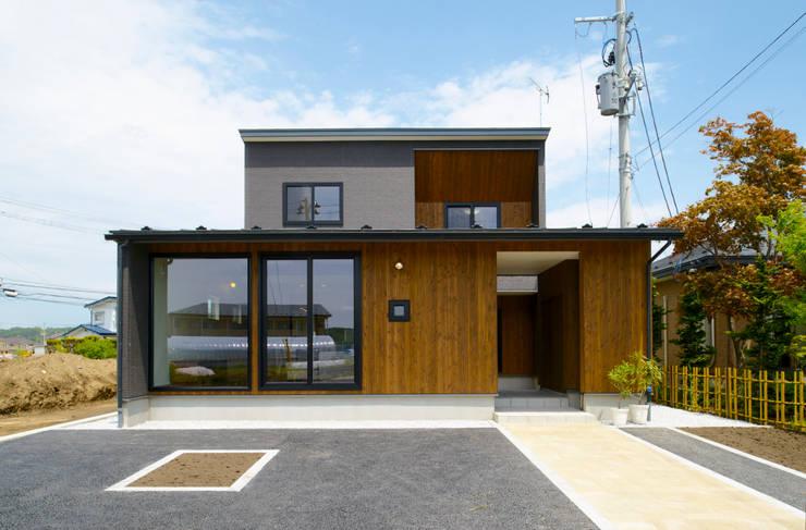 矢沢の家: フクシアンドフクシ建築事務所が手掛けた家です。