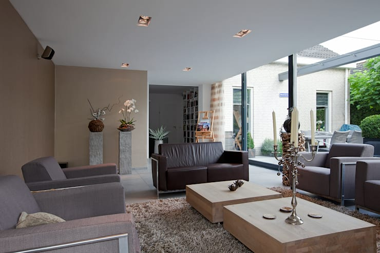 Livings de estilo moderno por Hans Been Architecten BNA BV