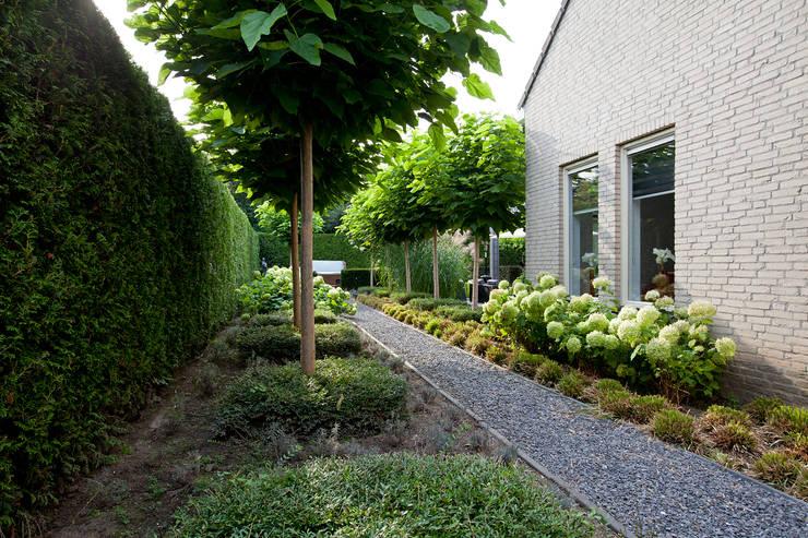 Zeewolde:  Tuin door Hans Been Architecten BNA BV
