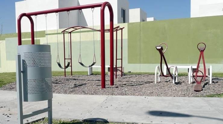 Fraccionamientos Infonavit: Jardines de estilo  por Nacional de Bancas
