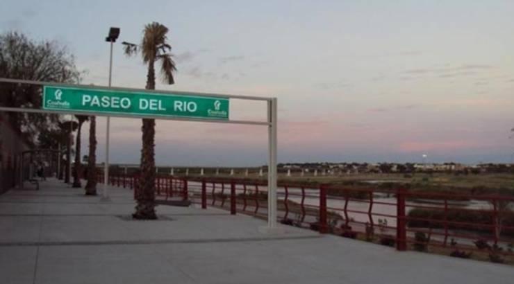 Paseo del Río, Piedras Negras, Coahuila: Jardines de estilo  por Nacional de Bancas