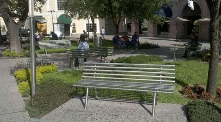 Remodelación de la Plaza Hidalgo: Jardines de estilo  por Nacional de Bancas
