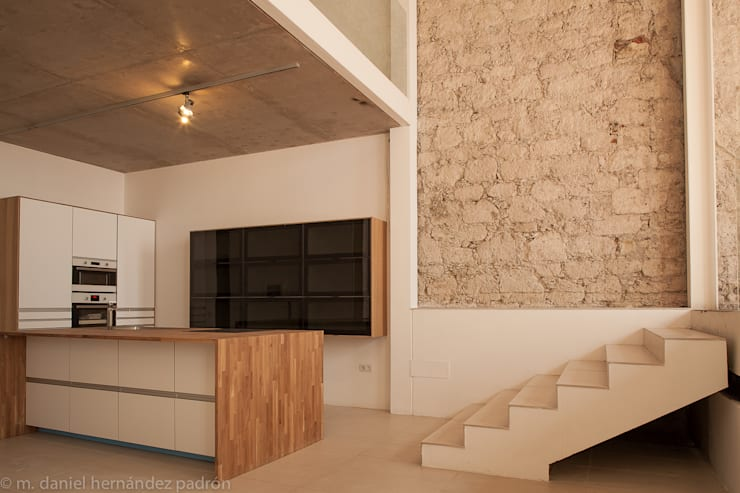 Rehabilitación integral WAREHOUSE ESTUDIO 95: Cocinas de estilo moderno de BOX49 Arquitectura y Diseño
