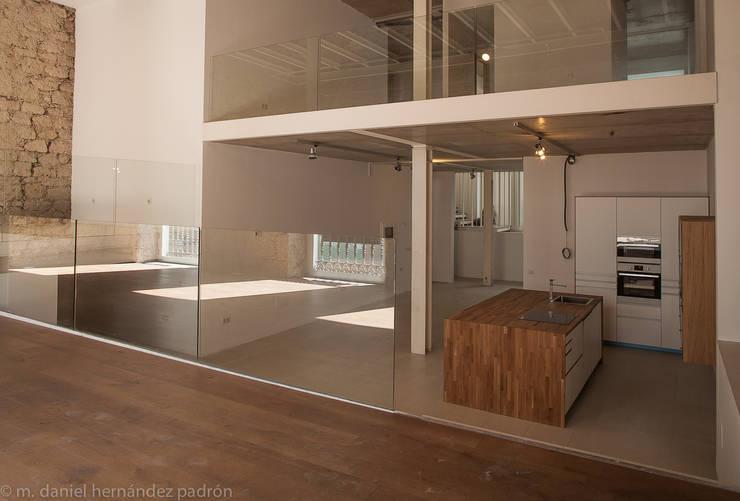 Rehabilitación integral WAREHOUSE ESTUDIO 95: Comedores de estilo moderno de BOX49 Arquitectura y Diseño