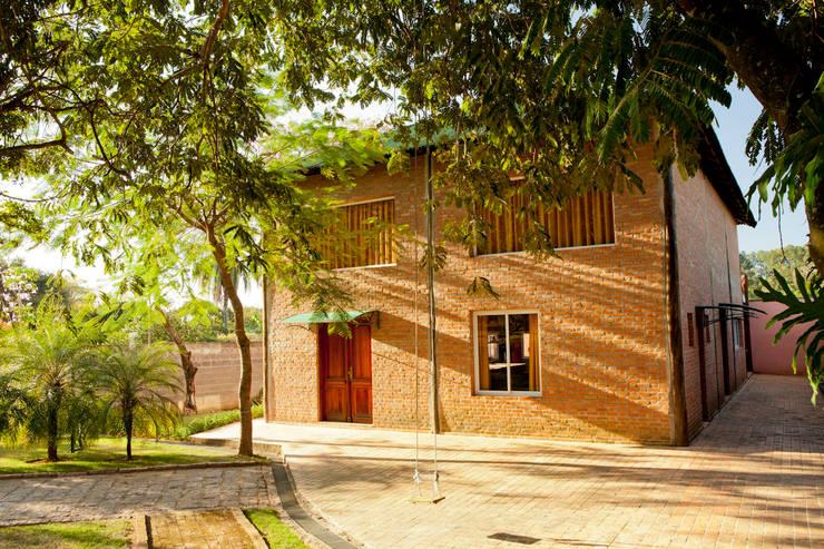 Casas campestres por Cactus Arquitetura e Urbanismo