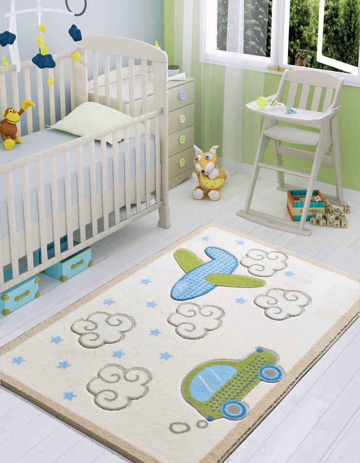 CONFETTI – BABY ROAD: modern tarz Çocuk Odası