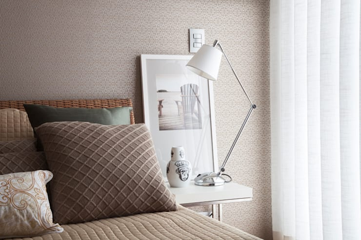 Dormitório casal: Quartos  por Arquitetura 8 - Ana Spagnuolo & Marcos Ribeiro,Moderno