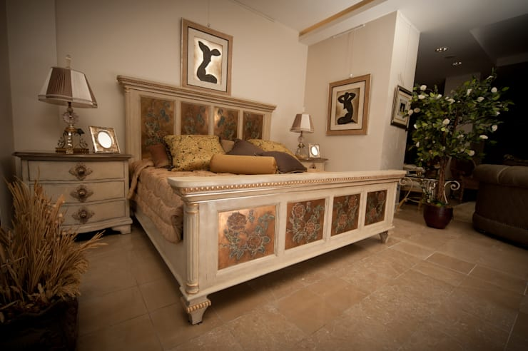 Dormitorios de estilo  de ARTISTIC DESIGN,