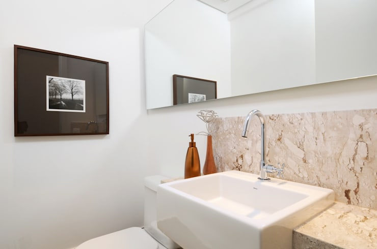GENCONS: Banheiros  por Elaine Carvalho Arquitetura,