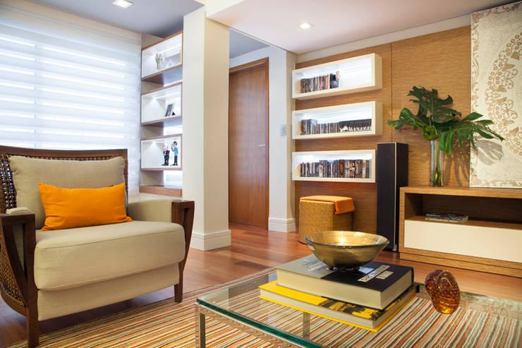 Salas / recibidores de estilo  por Arquitetura 8 - Ana Spagnuolo & Marcos Ribeiro