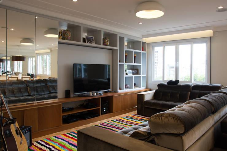 Sala de Estar: Salas de estar modernas por HAPPY Arquitetura