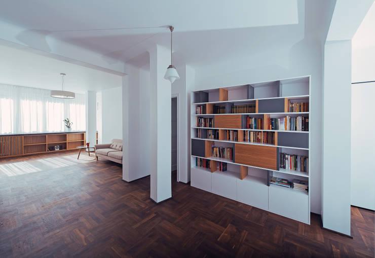 Wiejska: styl , w kategorii Salon zaprojektowany przez JA2PLUS