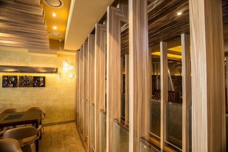 더도이 '참 족': 건후건축디자인의  상업 공간