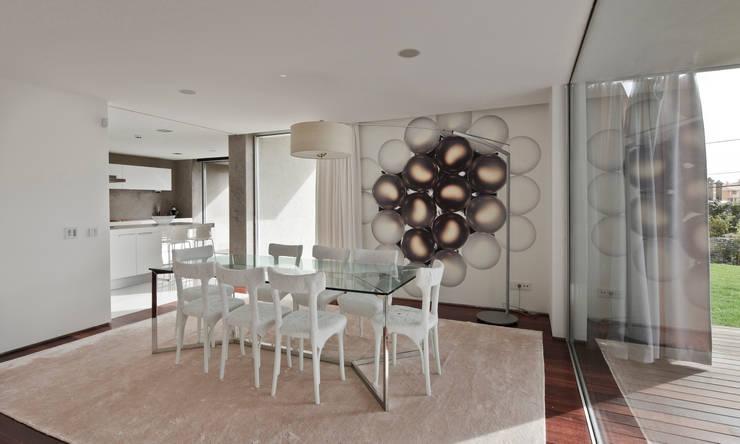 Casa Birre 3: Salas de jantar minimalistas por Areacor, Projectos e Interiores Lda