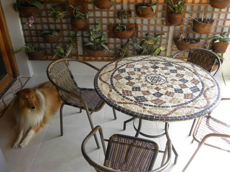 Mesas em Mosaico: Paisagismo de interior  por Mosaico Leonardo Posenato