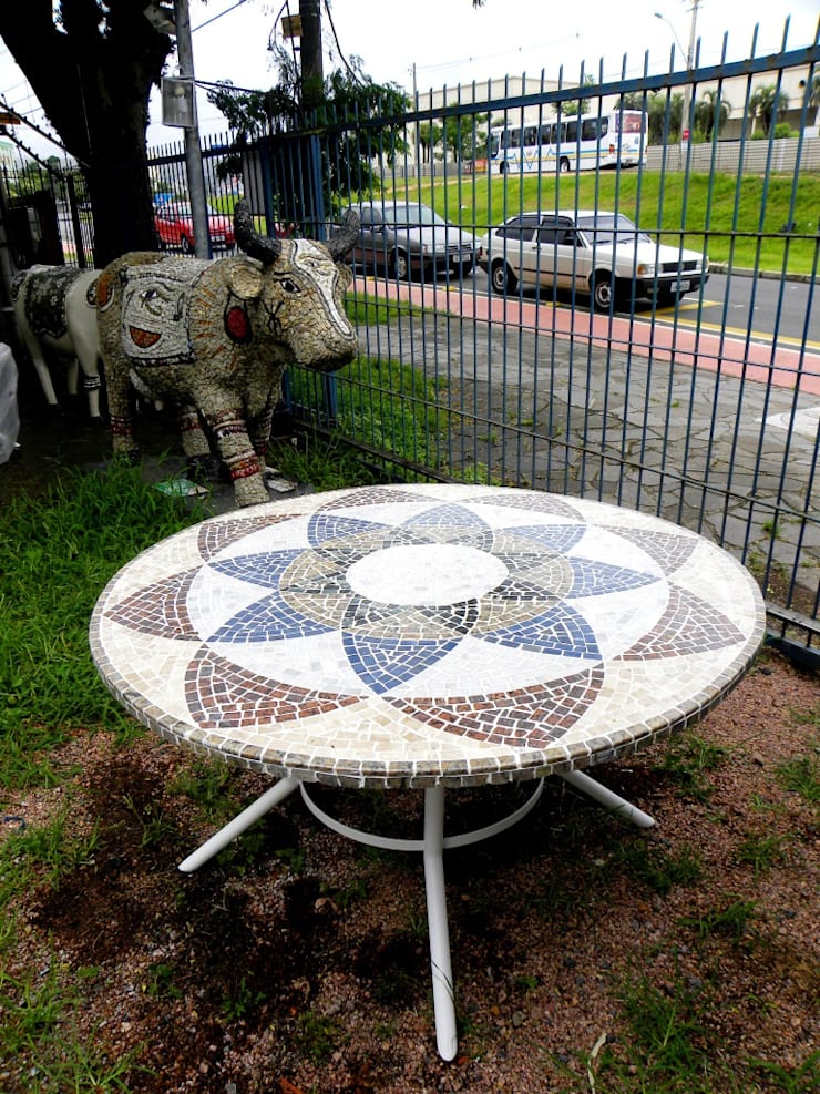 Mesas em Mosaico: Sala de jantar  por Mosaico Leonardo Posenato