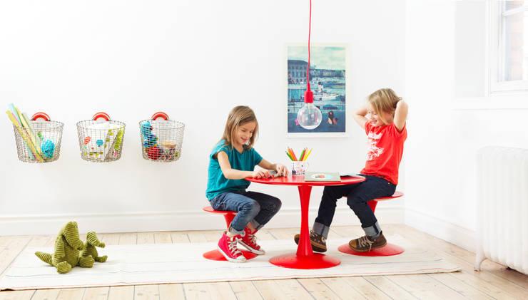 modern Nursery/kid's room by Korbo