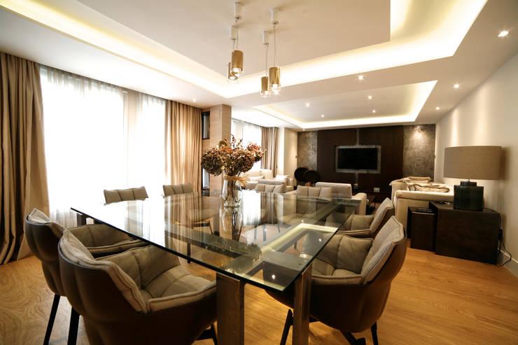 Salas / recibidores de estilo  por Interni Esterni 2