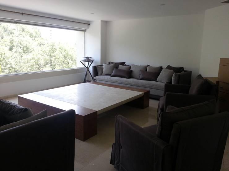 Sala sobre diseño: Salas de estilo  por ARMONIC stone & wood design