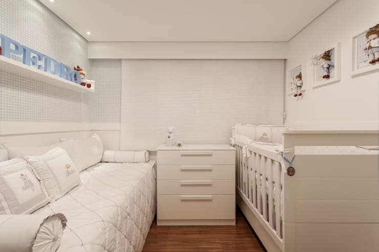 Apartamento Holanda: Quartos  por Carmen Calixto Arquitetura