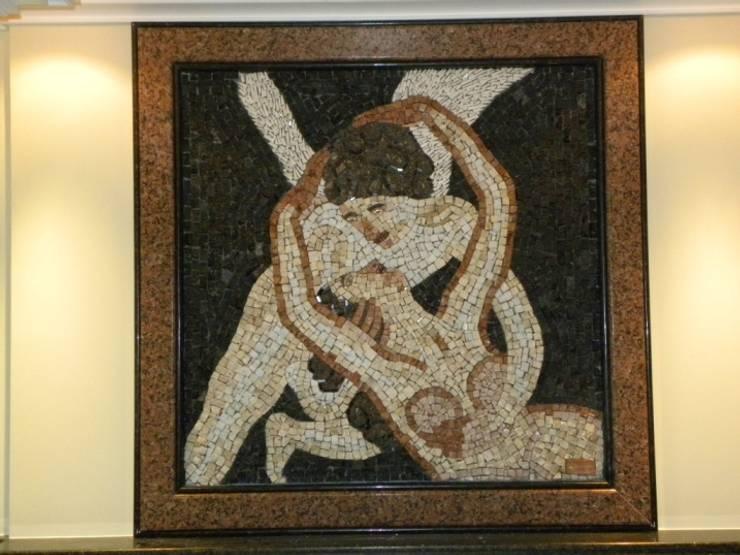 Paineis em mosaico Quartos clássicos por Mosaico Leonardo Posenato Clássico