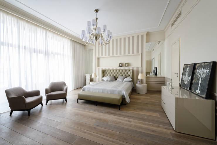 Спальня в квартире на Якиманке : Спальни в . Автор – Дизайн-студия «ARTof3L»