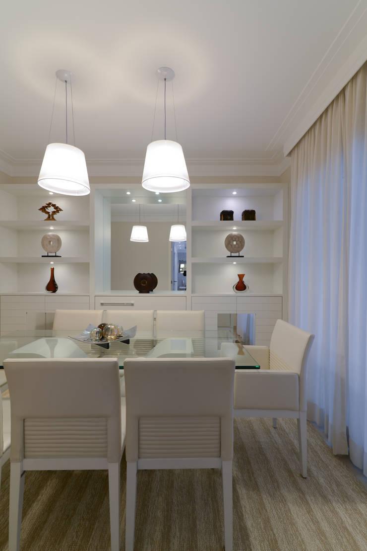 Projeto: Salas de jantar  por Solange Guerra,Moderno