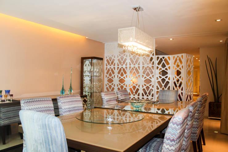 Sala de Jantar: Salas de jantar  por Maestrelo Arquitetura e Interiores,Moderno