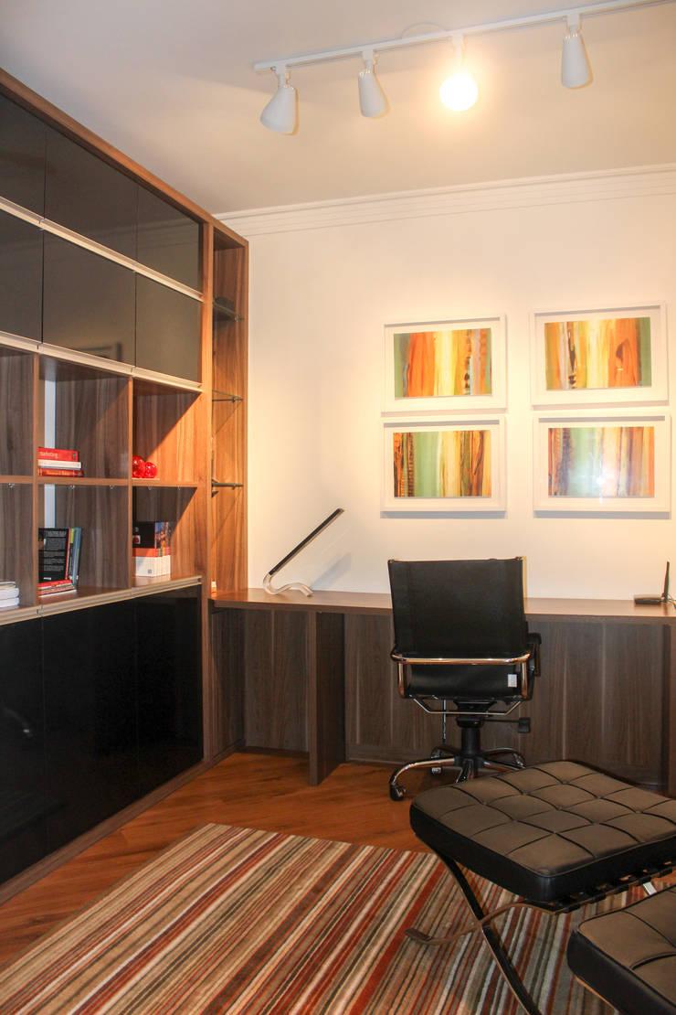 Escritório: Escritórios  por Maestrelo Arquitetura e Interiores,Moderno