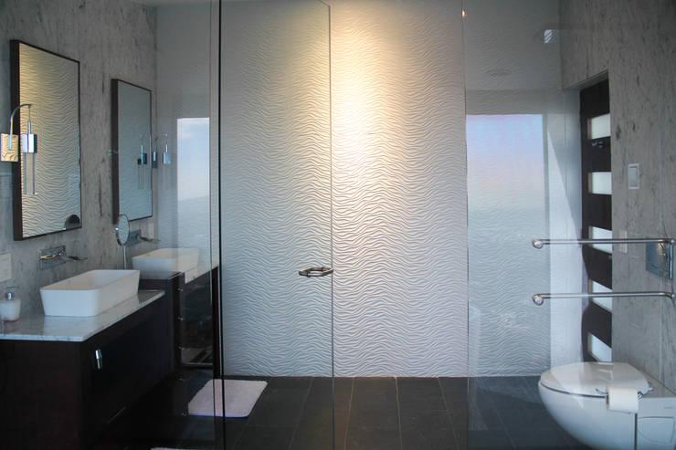 Baño : Baños de estilo  por aaestudio