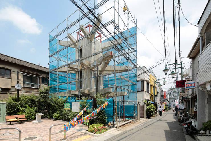 都市のツリーハウス: m-SITE-rが手掛けた家です。