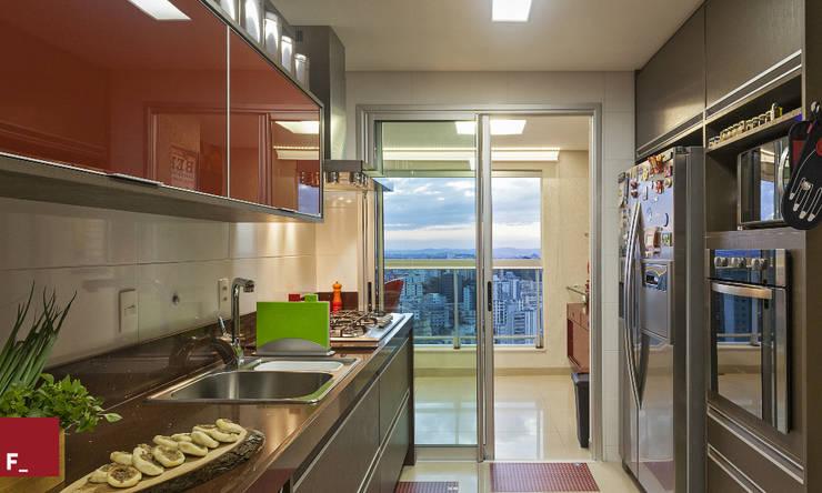 Cozinha M_M: Cozinha  por Fadel Arquitetura
