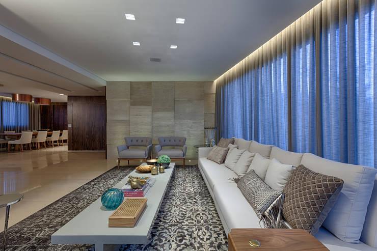 Sala de Estar: Salas de estar  por Mariana Borges e Thaysa Godoy
