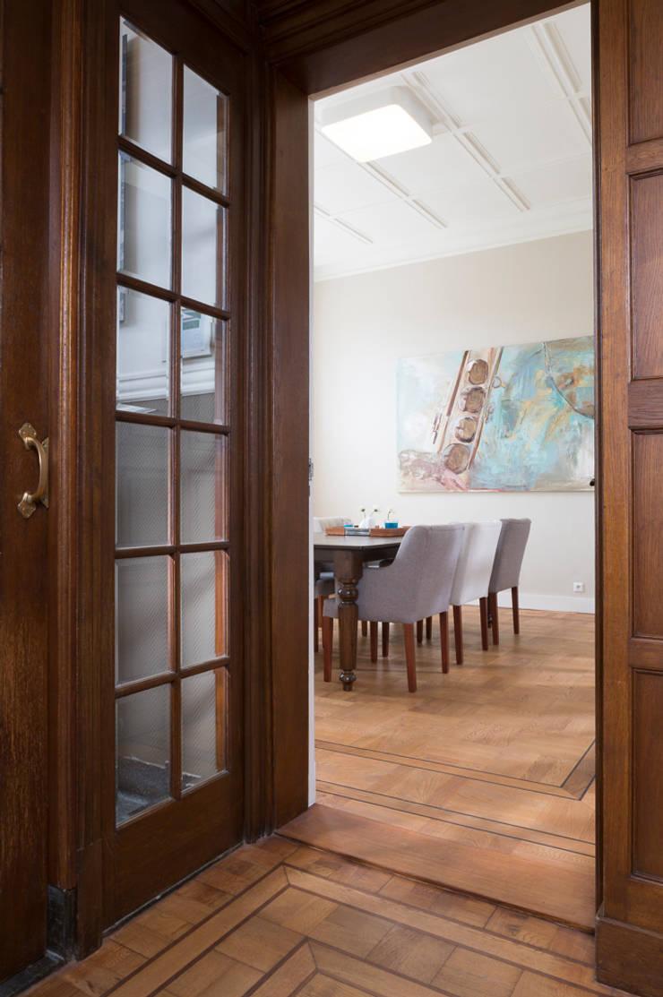 Villa Louise:  Studeerkamer/kantoor door Foto Buro Brabant