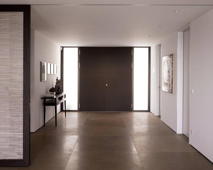 Corridor, hallway & stairs  by meier architekten