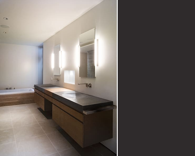 Bagno in stile in stile Moderno di meier architekten