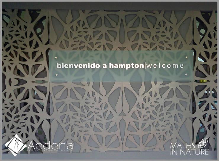 Hotel Hampton (Zacatecas): Paisajismo de interiores de estilo  por Aedena