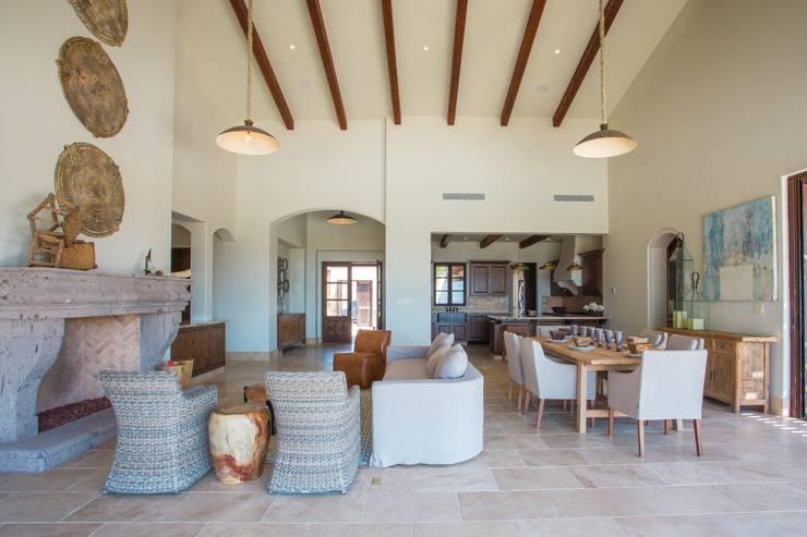 moderne Wohnzimmer von MAR STUDIO