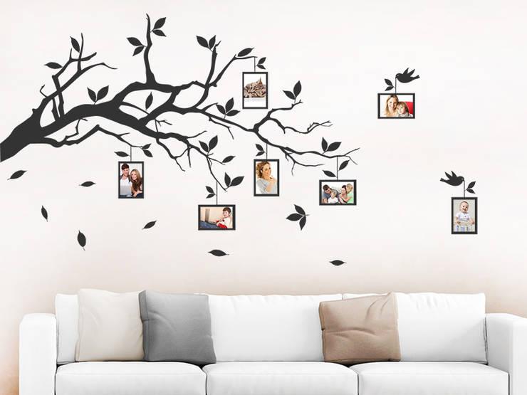 Livings de estilo moderno por Designscape Creative GmbH